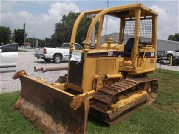 Caterpillar D3B DOZER