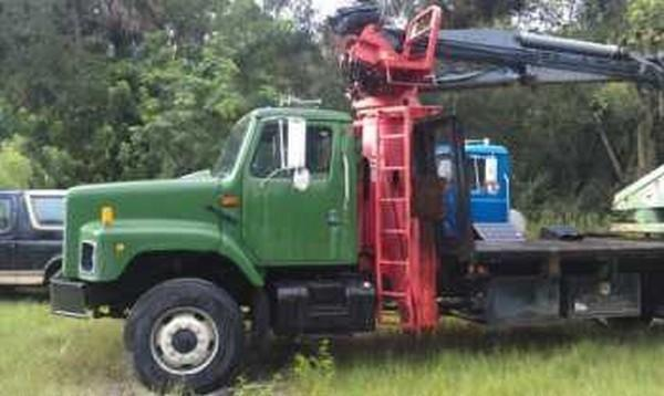 International 2674 Crane Truck