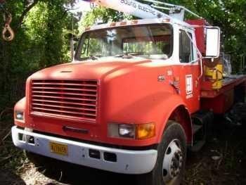 International 490 Sky Hook/Crane Truck