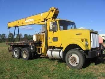 Volvo-White 3043 Crane Truck