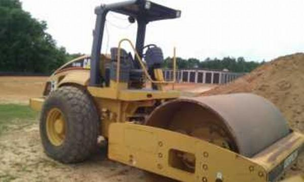Caterpillar CS-563E Vibratory Roller