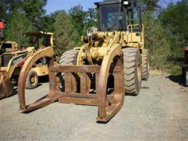 Caterpillar 950B Wheel Loader w/ Log Forks