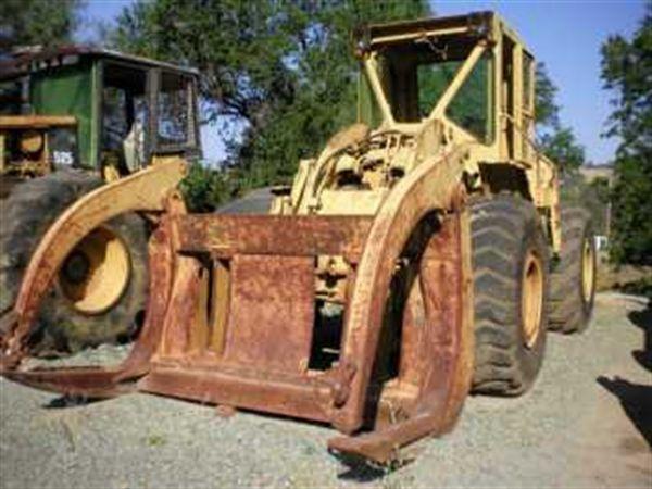 Caterpillar 966C Wheeled Loader w/ Log Forks