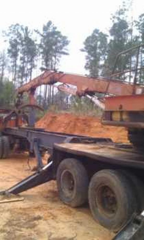 Log Hog XTR850 Knuckle Boom Log Loader
