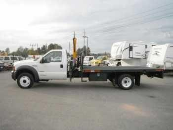 Ford F-550 Flat Bed with Crane