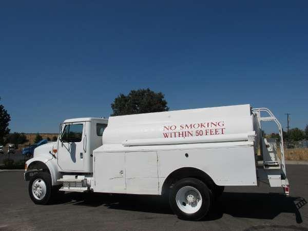 International 4800 4x4 1,200 Gallon Diesel Fuel Tanker Truck
