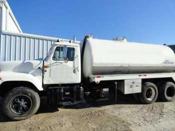 International Navistar 2554 6x4 Tanker