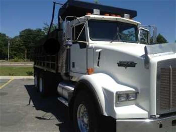 Kenworth T800 Tandem Axle Dump Truck
